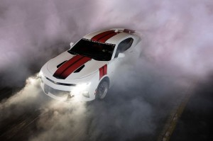 2016-chevrolet-camaro-twin-turbo-redline-white-burnout